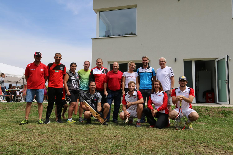 Organisation-/Betreuerteam mit dem Sportreferenten der Gemeinde Karl Fugger;